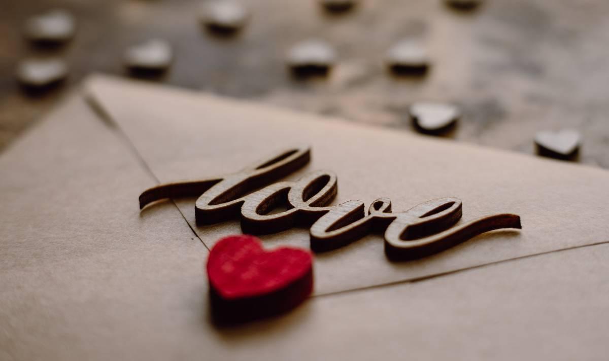 Frasi Sullamicizia A Distanza In Inglese.110 Frasi Sull Amore In Inglese Le Piu Belle E Speciali Con Traduzione
