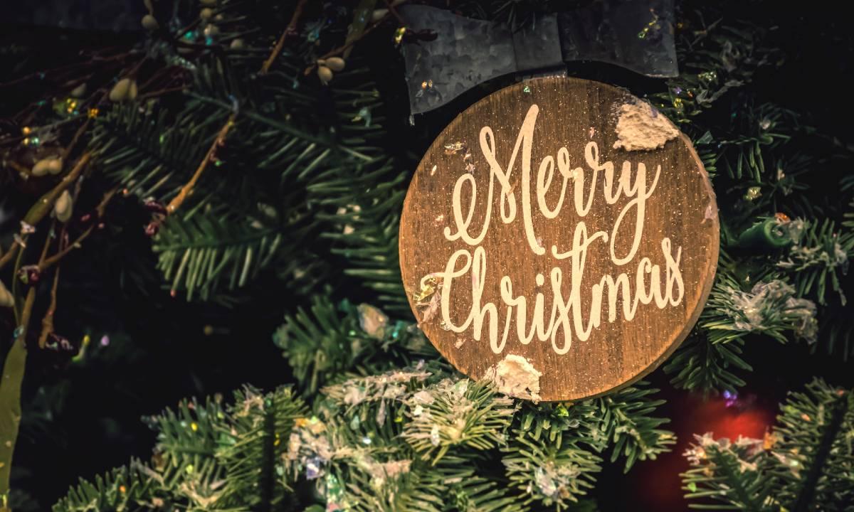 Decorazioni Natalizie In Inglese.51 Frasi Sul Natale In Inglese Con Traduzione In Italiano Le Piu Belle Ed Emozionanti